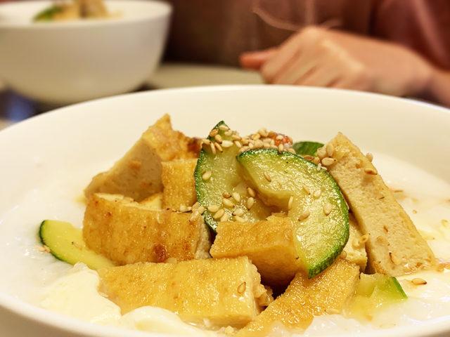豆腐粥、厚揚げとズッキーニ。【まゆげごはん】