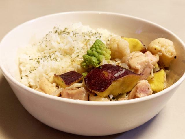 さつまいもと鶏肉、秋野菜たっぷりスパイシークリーム煮炒め【簡単レシピ|まゆげごはん】