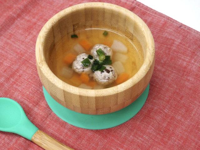 栄養たっぷり、秋野菜と秋刀魚(さんま)のつみれ汁【後期離乳食レシピ】