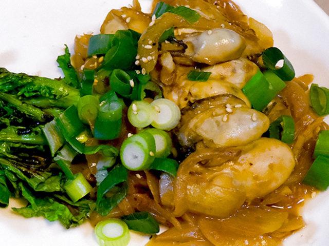 コクうま、生姜がきいた牡蠣の味噌炒め【簡単レシピ|まゆげごはん】
