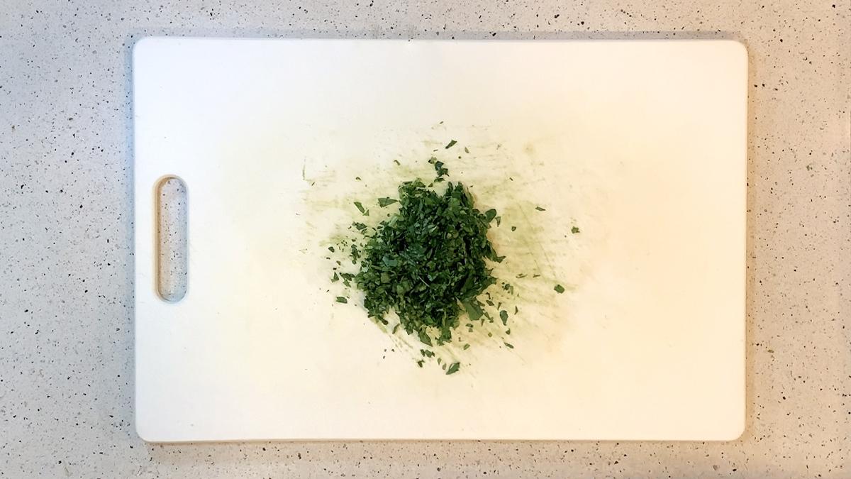 ジェノベーゼソースでスナップエンドウ炒め02